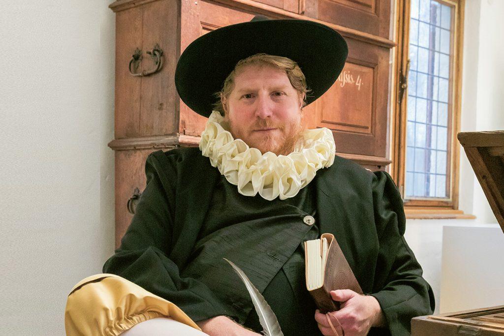 Burg-Vischering Fuehrungen Rentmeister Heidenreich Wernekinck durch die Burg